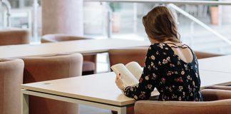 Female-student-reading