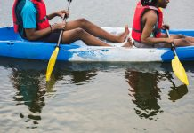 two-people-canoeing