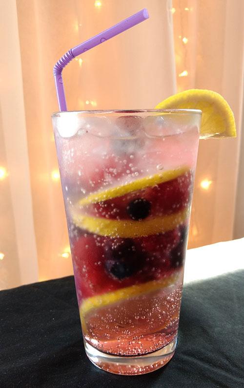 Lemon berry fizz