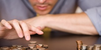 Bewares These 4 Financial Mistakes Students Make