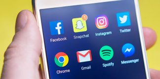 Smart-phone-with-social-media-icons