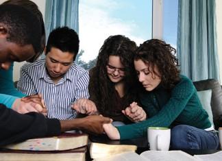 friends praying