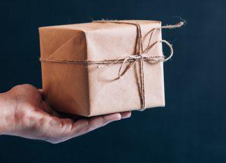 handing a gift box