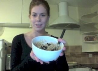 Warm and Fruity Oatmeal