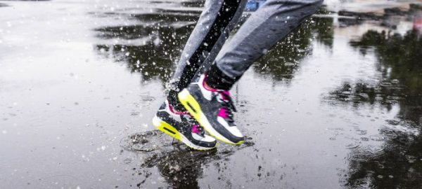 sneakers in rain | what to wear when exercising in cold weather