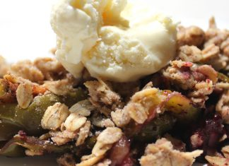 Apple berry crisp with vanilla ice cream