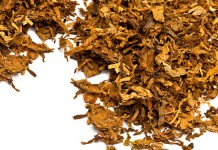 Loose tobacco leaves